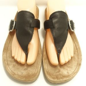 Uggs Black Leather Sheepskin Flat Thong Sandal 10